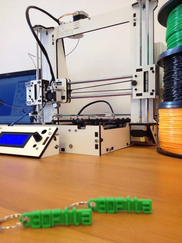 Chaveiro Impresso 3D sucesso ao grupo Arduino Meetup Belo Horizonte