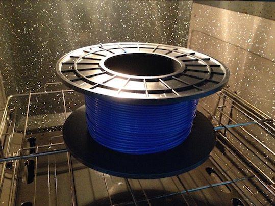 Carretel de Filamento ABS secando em forno