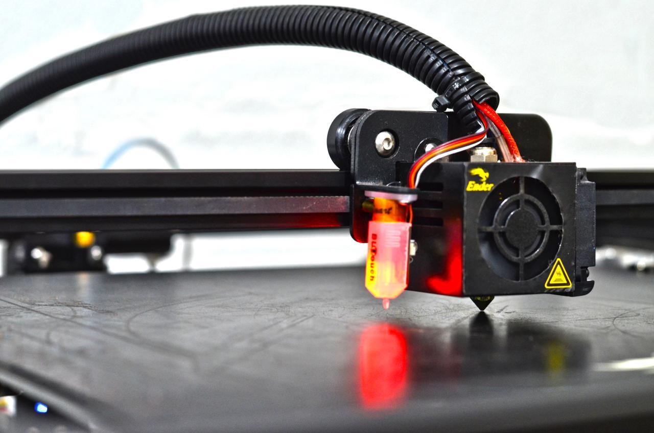 Foto demonstrando a calibração automática atraves do sensor tipo BL TOUCH
