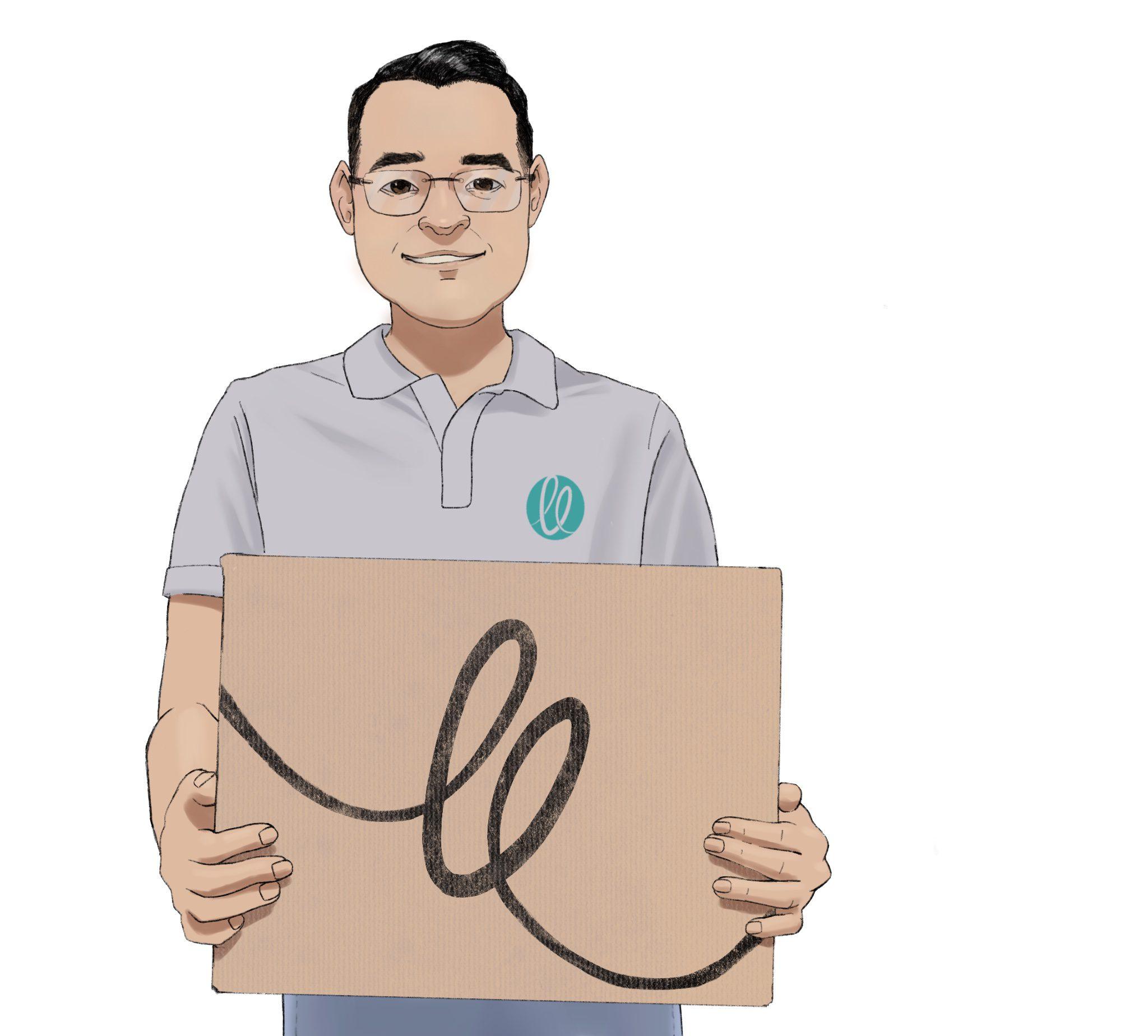 Homem de óculos segurando caixa